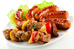 Bilder Fleischwaren Schaschlik Wiener Würstchen Gemüse Weißer hintergrund