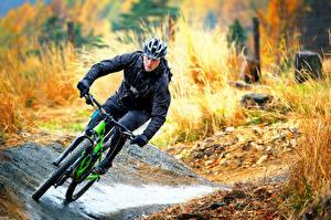 Fotos Mann Fahrrad Helm Fahren