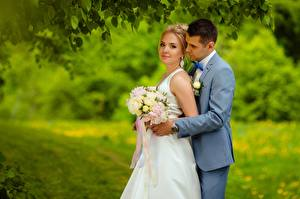Hintergrundbilder Mann Sträuße Brautpaar Blondine 2 Bräutigam Mädchens