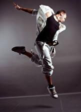 Fotos Mann Tanz Sprung Hand