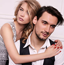 Hintergrundbilder Mann Liebe 2 Blondine Umarmung Hand Mädchens