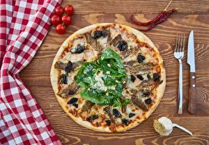 Fotos Pizza Tomate Messer Gabel das Essen