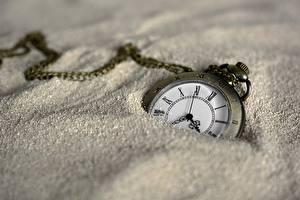 Fotos Uhr Taschenuhr Zifferblatt Hautnah Sand