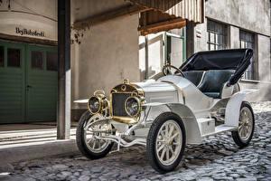 Image Vintage White Metallic Convertible 1908 Laurin automobile