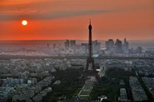 Fotos Morgendämmerung und Sonnenuntergang Frankreich Paris Türme Eiffelturm Sonne