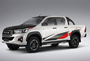Fotos Toyota Pick-up Weiß 2018 Hilux GR Sport Double Cab Latam