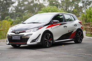 Picture Toyota Tuning White Metallic 2018 Yaris GR Concept automobile
