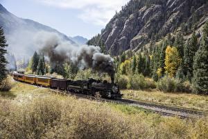 Bureaubladachtergronden Treinen Bergen Bossen Vintage Rook Natuur