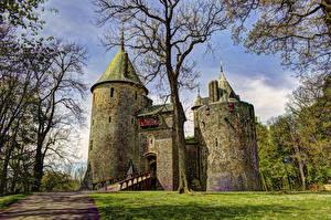 Fotos Vereinigtes Königreich Burg Bäume Castell Coch Städte