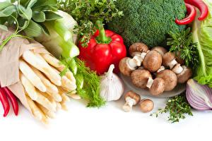 Hintergrundbilder Gemüse Pilze Peperone Knoblauch Weißer hintergrund
