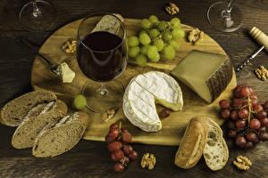 Hintergrundbilder Wein Käse Weintraube Nussfrüchte Brot Schneidebrett Weinglas