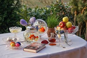 Bilder Äpfel Kerzen Stillleben Tisch Buch Vase