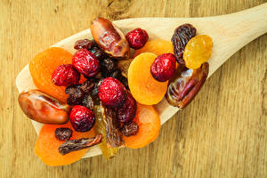 Pictures Apricot Dried apricot Spoon Dried fruit Food