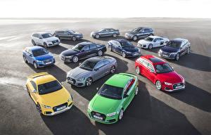 Bakgrundsbilder på skrivbordet Audi Många Bilar