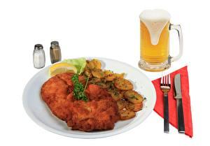 Hintergrundbilder Bier Messer Kartoffel Weinglas Schaum Essgabel Teller Lebensmittel