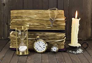 Hintergrundbilder Kerzen Uhr Stundenglas Bretter Bücher Schlüssel
