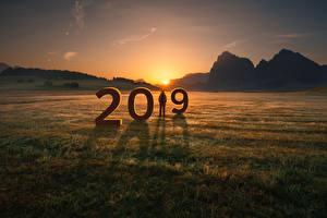 Bilder Neujahr Sonnenaufgänge und Sonnenuntergänge Berg Felder 2019 Natur