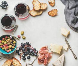 Hintergrundbilder Kaffee Weintraube Brot Schinken Käse Oliven Weißer hintergrund Frühstück Tasse