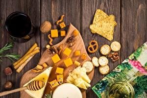 Hintergrundbilder Kekse Schalenobst Honig Schneidebrett Tasse Bretter