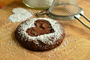 Pictures Cookies Pastry Powdered sugar Closeup Heart Food