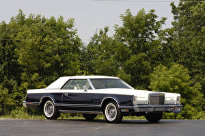 Photo Lincoln Vintage Metallic 1979 Continental Mark V Bill Blass Edition auto