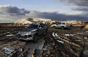 Fotos Mitsubishi Schlamm Pick-up Double Cab L200 Triton 2019 auto