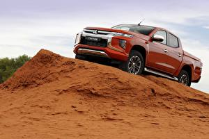 Fotos Mitsubishi Pick-up Rot Double Cab L200 Triton 2019 auto