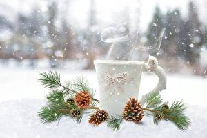 Photo Winter Snow Conifer cone Branches Mug Vapor