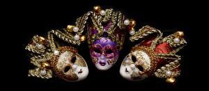 Bilder Karneval und Maskerade Maske Schmuck Schwarzer Hintergrund Drei 3