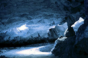 Photo Cave