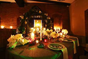 Bilder Neujahr Servieren Kerzen Tisch Teller Weinglas das Essen