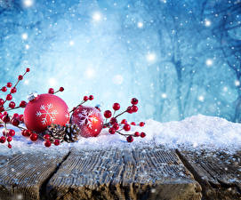 Pictures Christmas Winter Berry Wood planks Snow Conifer cone Branches Balls