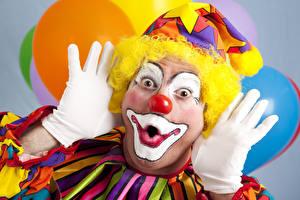 Bilder Mann Clown Hand Handschuh Schminke