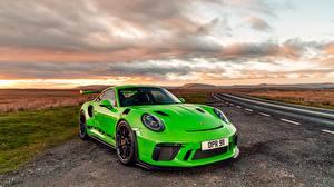 桌面壁纸,,保时捷,黃綠色,911 2018 GT3 RS,汽车