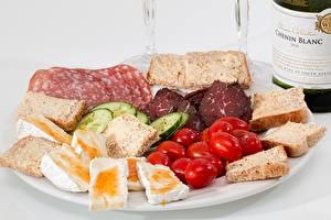 Bilder Tomate Brot Gurke Teller Geschnitten Lebensmittel