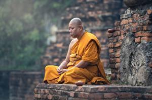 Fotos Asiatisches Mann Religion Sitzend Glatze Uniform Mönch