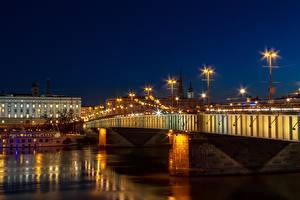 Hintergrundbilder Österreich Flusse Brücken Nacht Laterne Lichterkette Linz, Danube