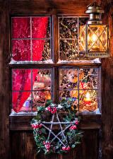 Fotos Neujahr Beere Fenster Straßenlaterne Ast Zapfen