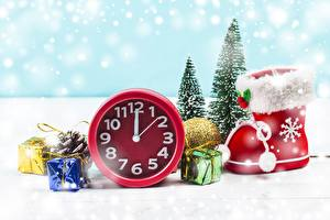 Images New year Clock Wearing boots