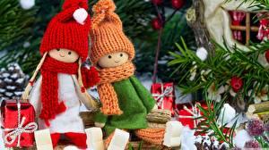 壁纸,,新年,玩偶,2 兩,保暖帽,圍巾,坐,