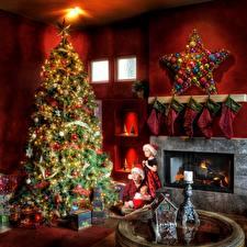 Hintergrundbilder Neujahr Kamin Stern-Dekoration Weihnachtsbaum Kugeln Socken Drei 3 Jungen Kleine Mädchen Säugling Geschenke Kinder