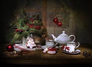 Bilder Neujahr Stillleben Beere Nussfrüchte Zimt Pfeifkessel Kekse Ast Kugeln Tasse Design Lebensmittel