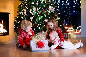 Bilder Neujahr Drei 3 Jungen Kleine Mädchen Baby Geschenke Kinder