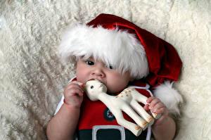 Hintergrundbilder Neujahr Spielzeuge Hirsche Baby Mütze Kinder