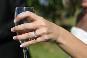 Bilder Finger Nahaufnahme Hand Maniküre Schmuck Ring Weinglas