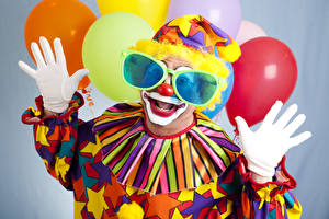 Images Holidays Man Clown Uniform Toy balloon Glasses Hands Glove