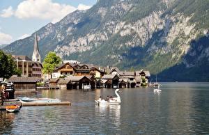 Hintergrundbilder Gebirge Gebäude Boot Bootssteg See Österreich Hallstatt Felsen Alpen Gmunden County Natur Städte