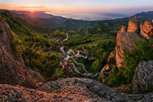 Bilder Russland Sonnenaufgänge und Sonnenuntergänge Gebirge Landschaftsfotografie Bäume Khibiny Natur