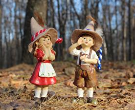 Hintergrundbilder Herbst Federn Puppe Zwei Junge Kleine Mädchen Der Hut Blattwerk
