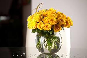 Fotos Sträuße Rosen Vase Gelb Englisch Blüte
